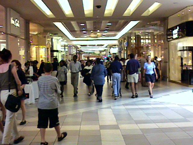 Shopping Area in Joburg 1.jpg (59557 bytes)